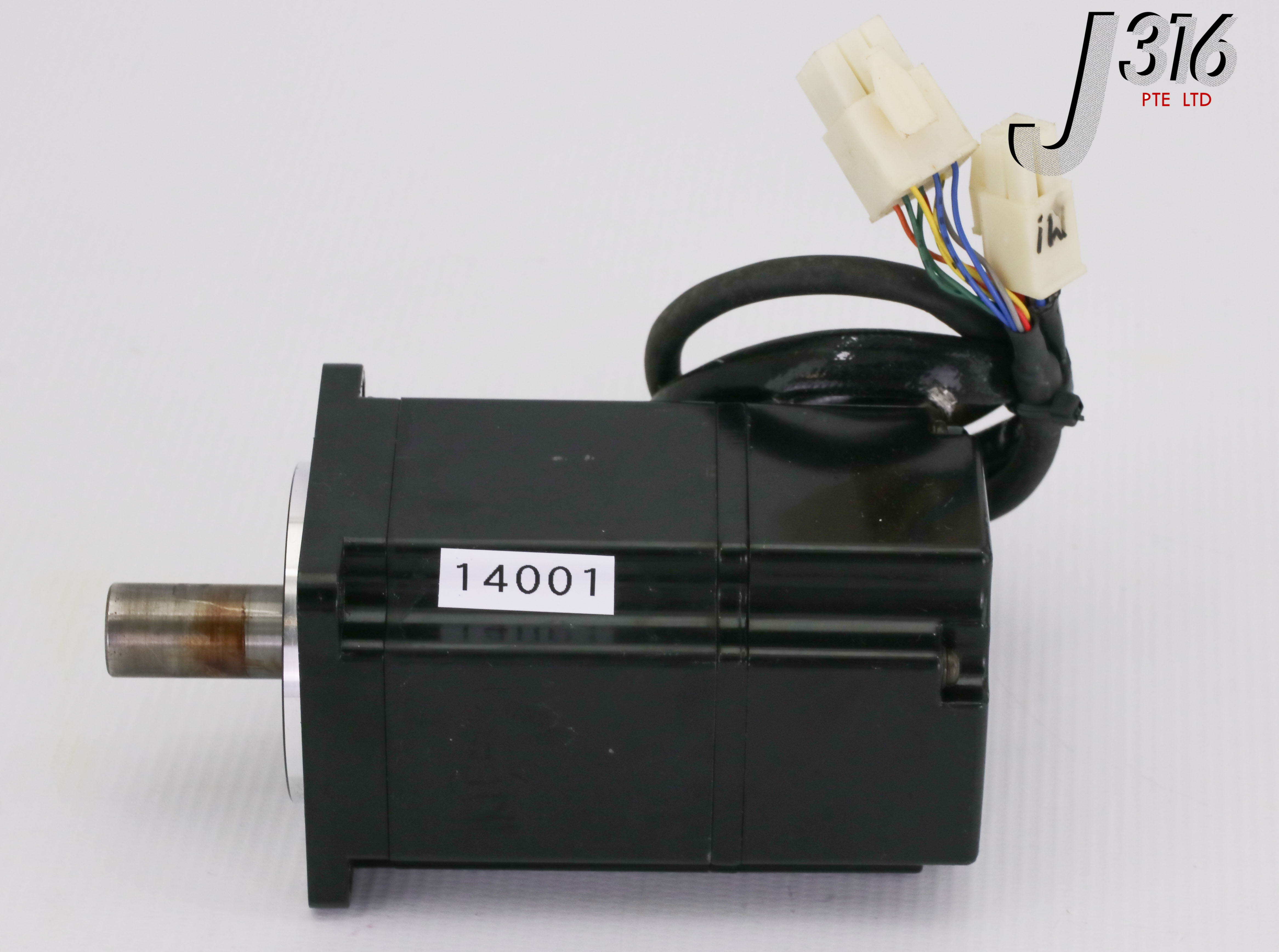 Yaskawa servo motor SGM-04A314C good in condition for industry use